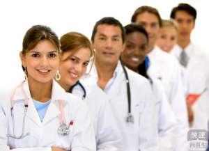 白癜风患者应该积极配合临床治疗